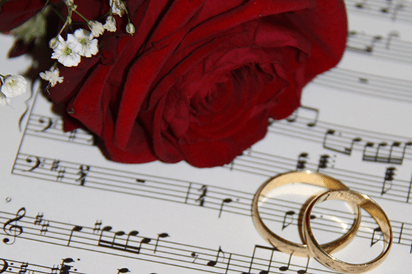 15 Love Themed Songs For Valentine